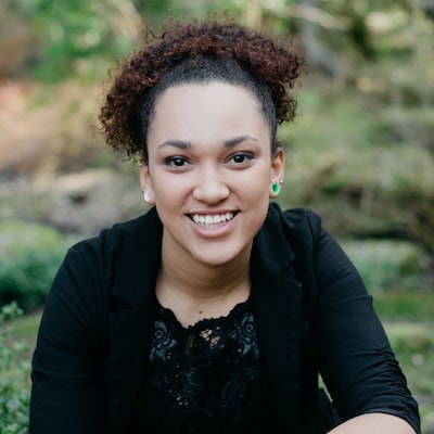 Image of Alexxa who is part of our Bellevue dental team